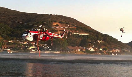 CalFire Helicopter fills with water at Lake San Marcos