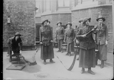 Women firefighters in WWI England
